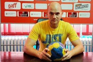 Read more about the article Dušan Petrović u dvostrukoj ulozi u Radničkom