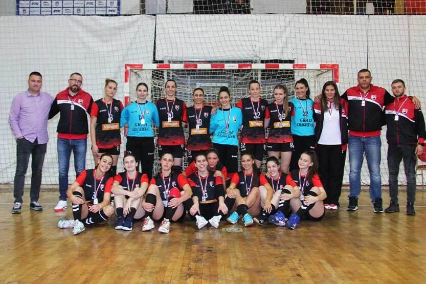 Rukometašice Radničkog vicešampionke Srbije